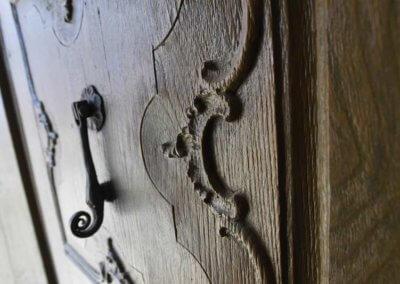 Detail einer alten Holztüre in Ettelried